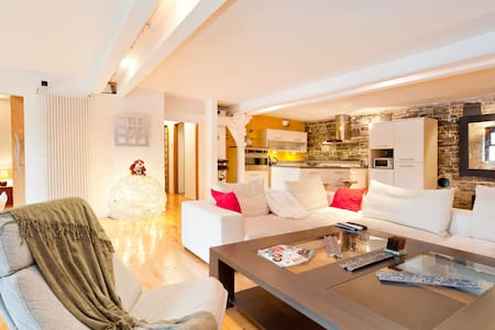 Central Lux 2Bedroom Loft Apartment - Apartamento