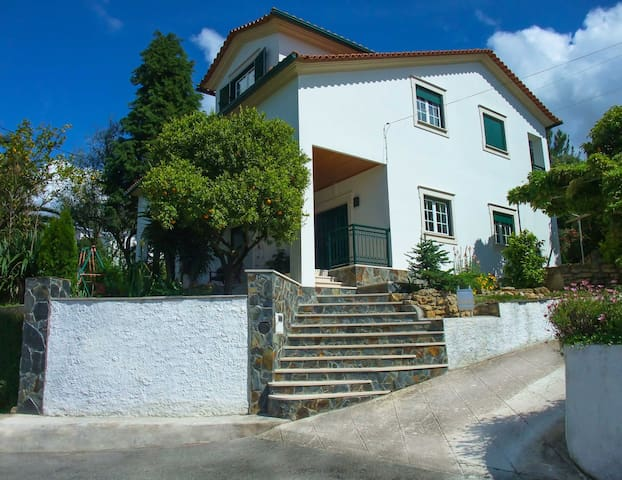 Cozy Rooms near Coimbra - Assafarge - Hus