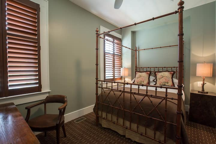 Charming Room in Broad Ripple's Best Hotel