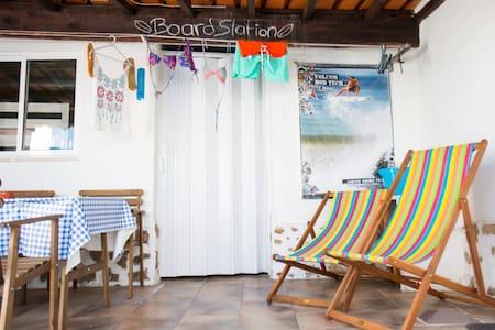 Surf Shack Ericeira - Beach 900 m - House
