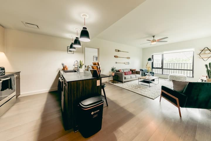 Upscale Two Bedroom Apartment in Farmers Park