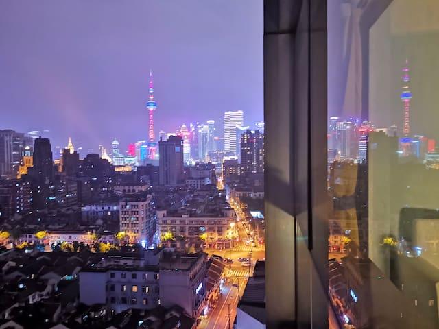 【每客消毒】ohdarling 落地窗东方明珠 外滩人民广场城隍庙步行距离 有投影有电梯 酒店式公寓
