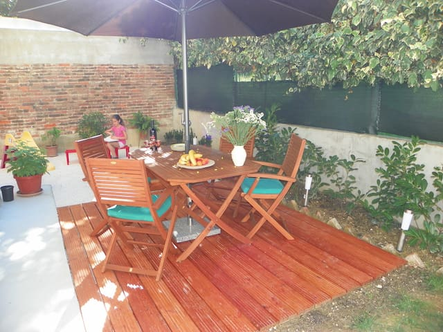 Modern & cosy with private terrace at Firule