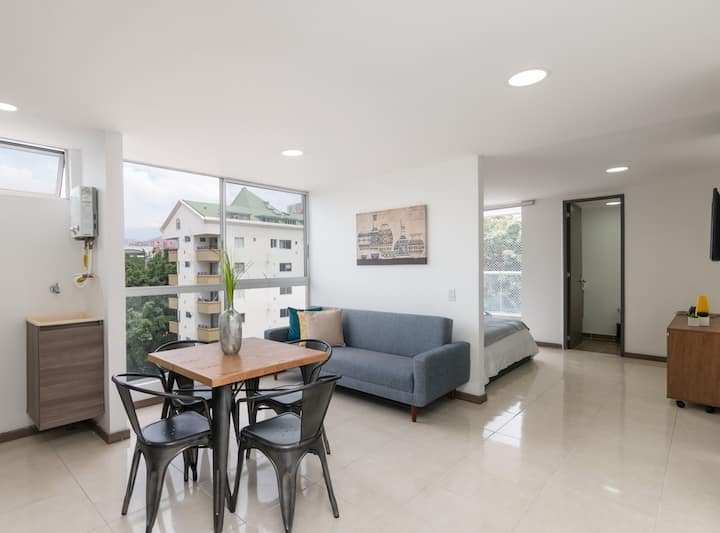 ★INCREDIBLE LOCATION★ Apartment near METRO STATION