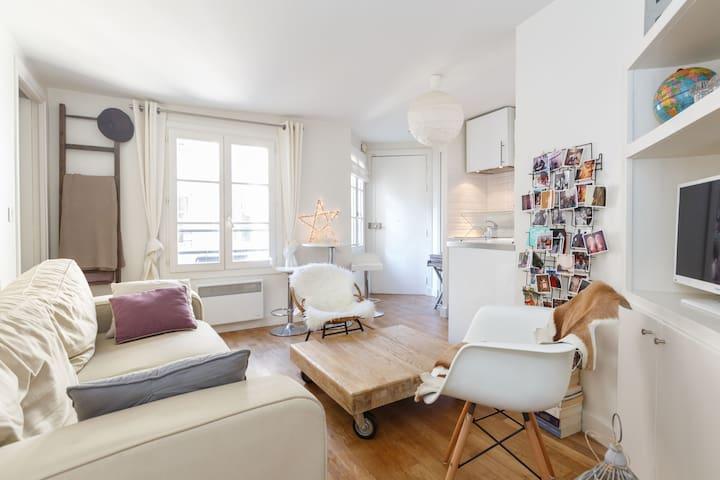 Grands boulevard bonne nouvelle apartments for rent in for Chambre de bonne paris rent