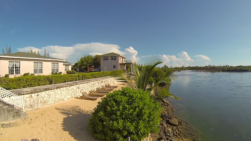 North Andros, Bed & Breakfast, Pool - North Andros