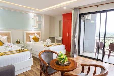 Luxury Twin Room with Rooftop Pool