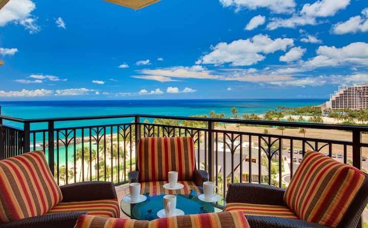 Penthouse Beach Villa. Ocean Views!