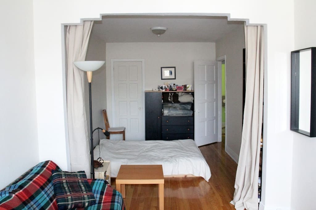Cozy Appartment Near Park Laurier Flats For Rent In