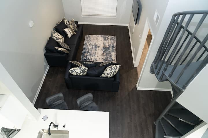 2 Bedroom Downtown Dallas Loft