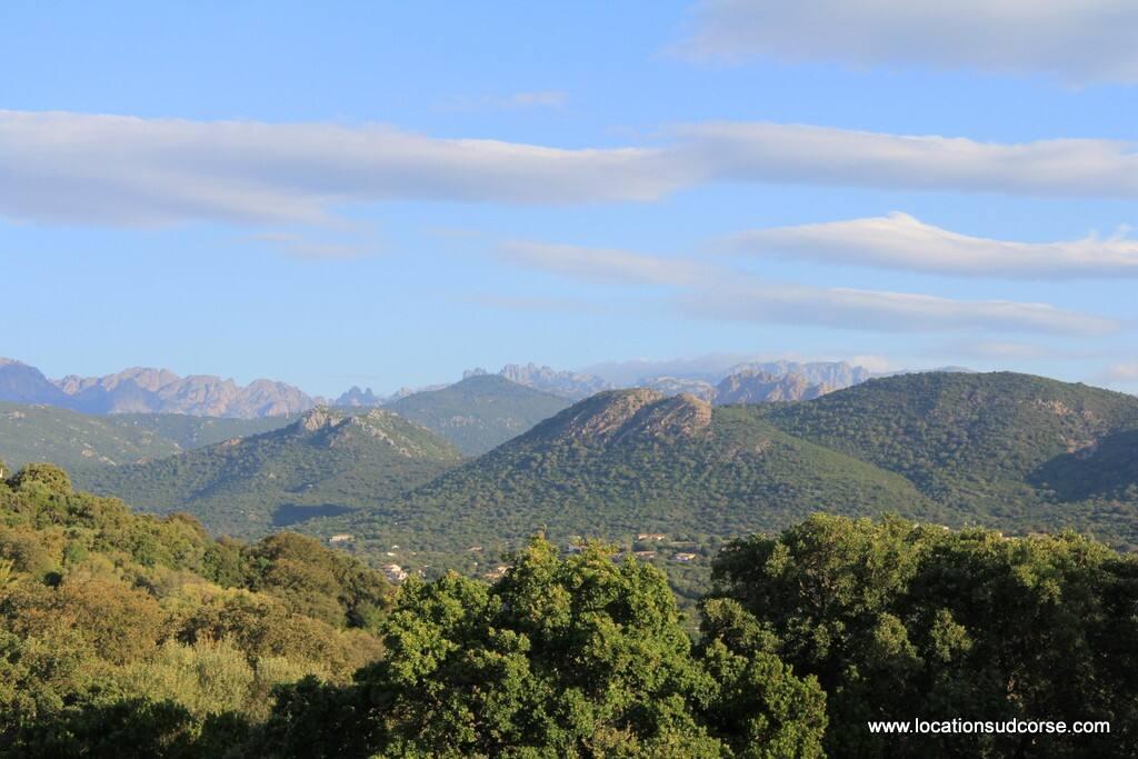 La vue montagne depuis la terrasse