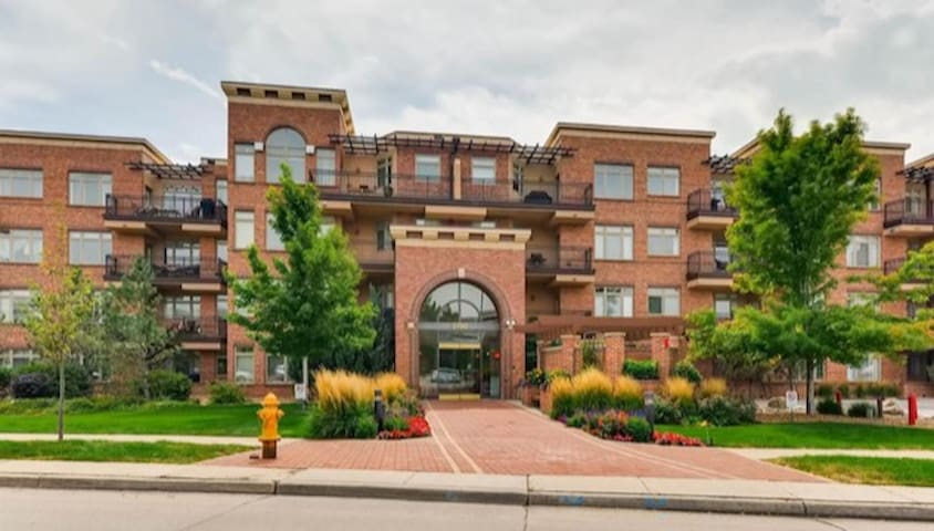 Bright Cherry Creek Condo - 2 Bedroom