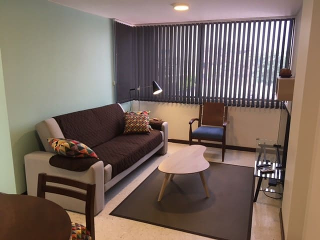 design loft 132sf, 2 spaces location for travelers