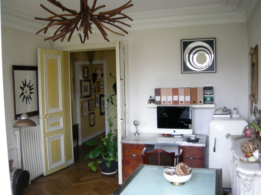 Salon from other side (The refrigerator is in the kitchen, that vintage one is a book shelf)