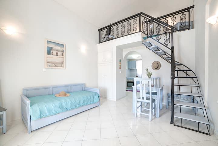 MONOLiTHIA Split-Level Apartment Sea View