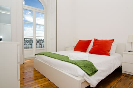 T1 Serviced Apartment River View - Lissabon - Huoneisto