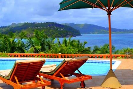 Private Bayview Luxury villa by Sea - Mahe