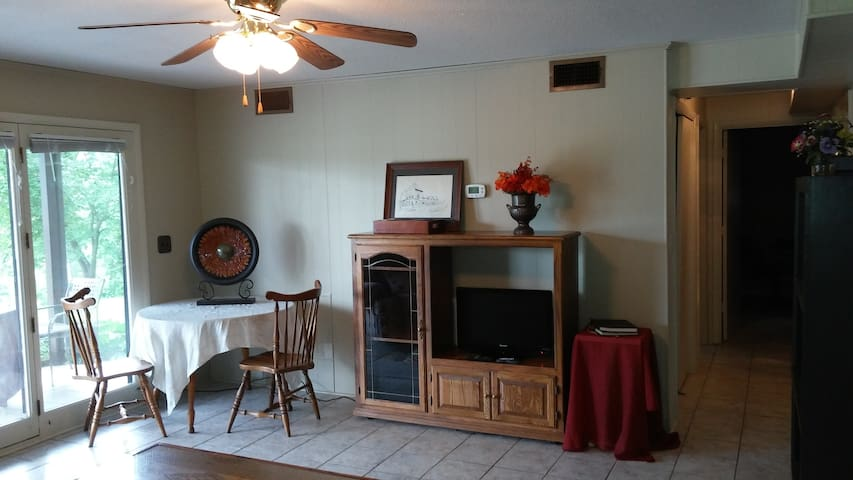 Gray, TN 2 BR 1 Bath Fully Furnished W/D Lake View