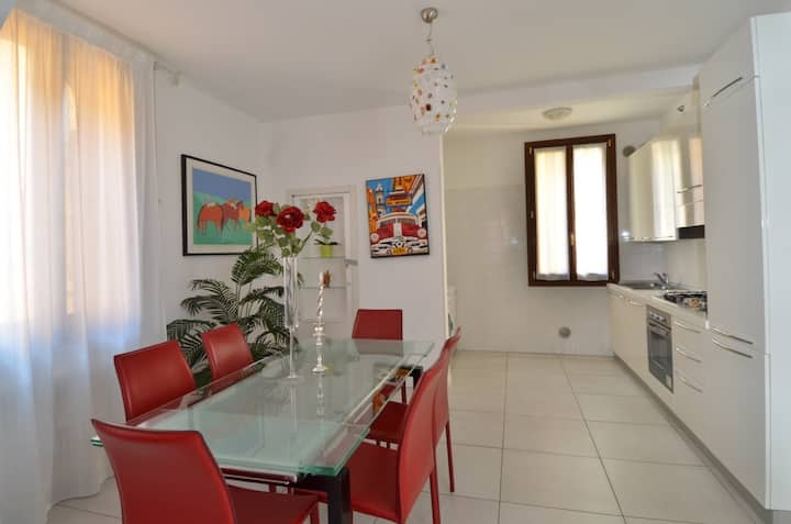 TWO ROOMS - BIENNALE - SANT'ELENA - CASTELLO-
