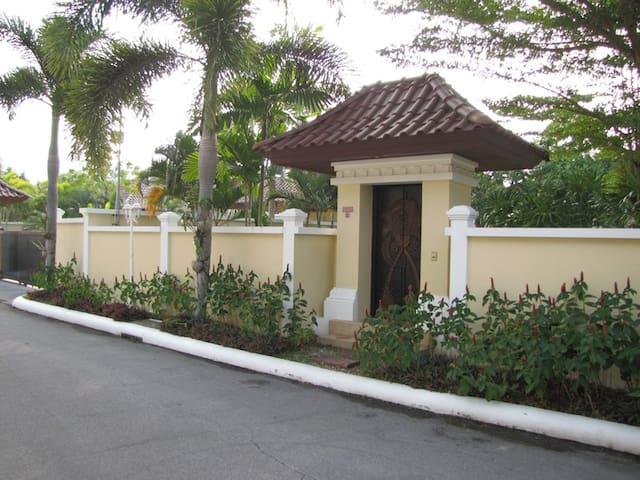Двух спальная вилла на Пхукете - Choeng Thale - House
