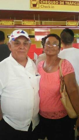 Martha y El Teki  Welcome to Santa Lucia Beach!