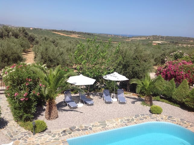 Villa , 2 bedrooms, pool, BBQ - Loutra