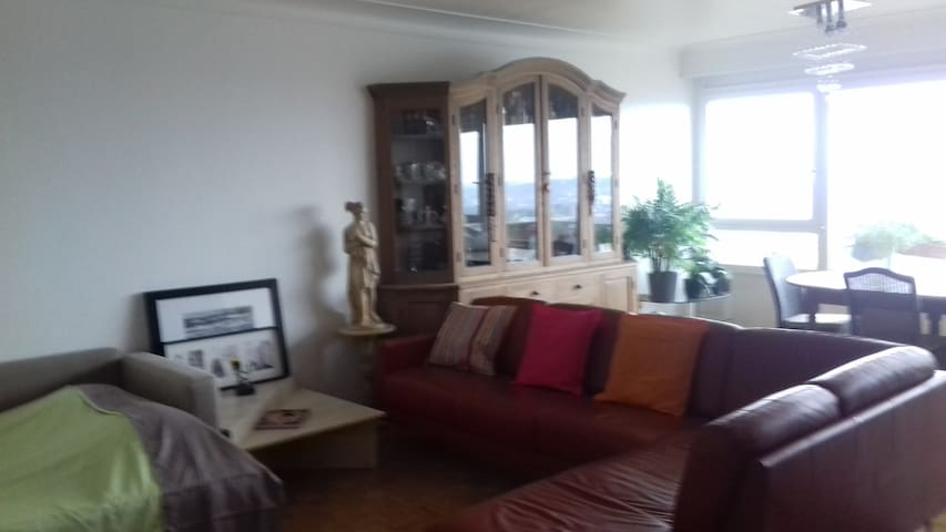 COZY ROOM & SPACIOUS  - 10 min BRUXELLES CENTRE
