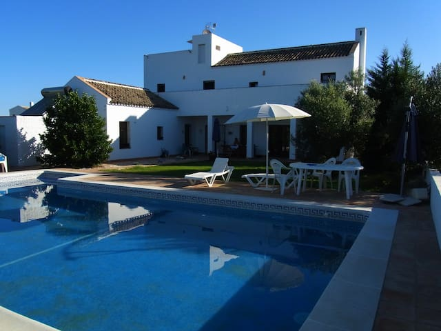 Finca with pool & park near Seville - Umbrete
