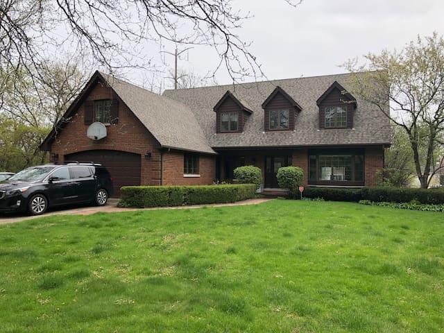 Cozy Northbrook home