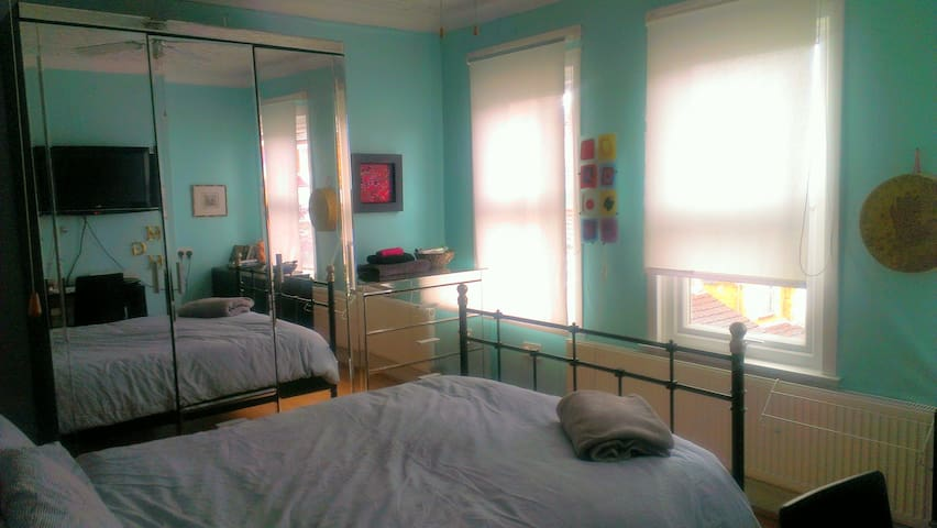 Room one female only, spacious bright and clean
