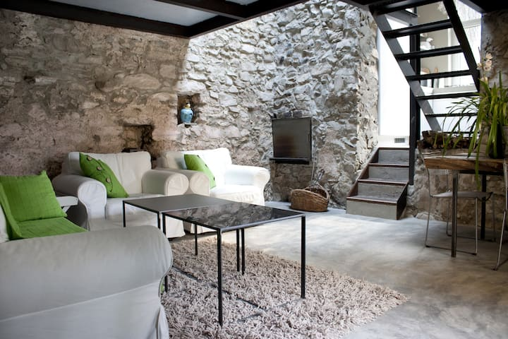 Lake Como Romantic Stone Cottage 4P - Argegno - Çatı Katı