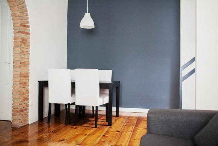 RENOVATED APARTMENT IN THE HEART OF - Pamplona - House
