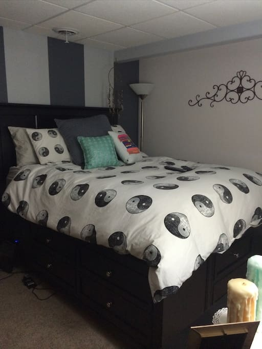 1 Queen bed with memory foam & mattress topper with 10 drawer base. Also has Craig Bluetooth speaker system & Alarm clock.
