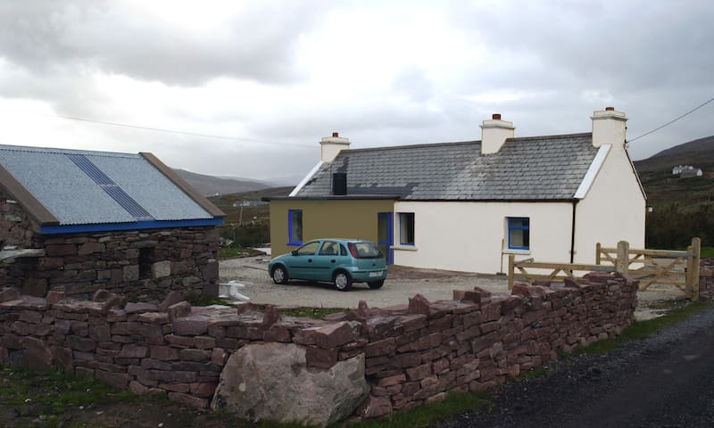 Cottage in beautiful scenic area - Achill - Rumah