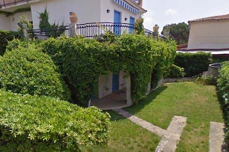 Appartamento in villa sul mare - Sangineto Lido