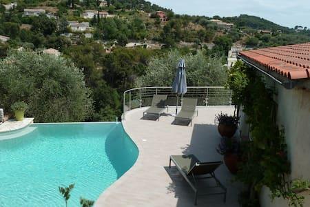 Agréable villa , tout près de Nice  - Colomars - Haus