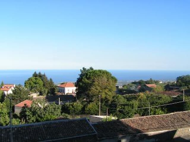 Tra l'Etna e il mar Jonio - Puntalazzo - อพาร์ทเมนท์