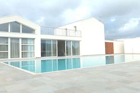 Villa+Dependance & Pool, Near Beach - Ameglia