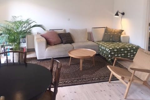 Cosy apartment close to the beach and metro st.