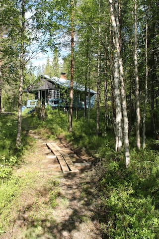 Finnish log summer house by lake - Rovaniemi