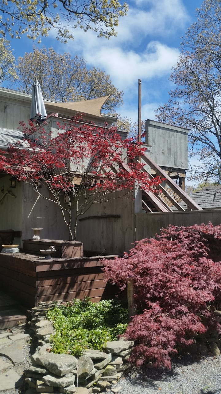 One bedroom guest house on beautiful Cape Cod