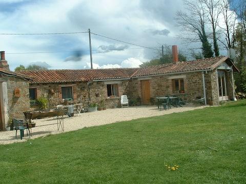 Beautiful Gîte in rural France