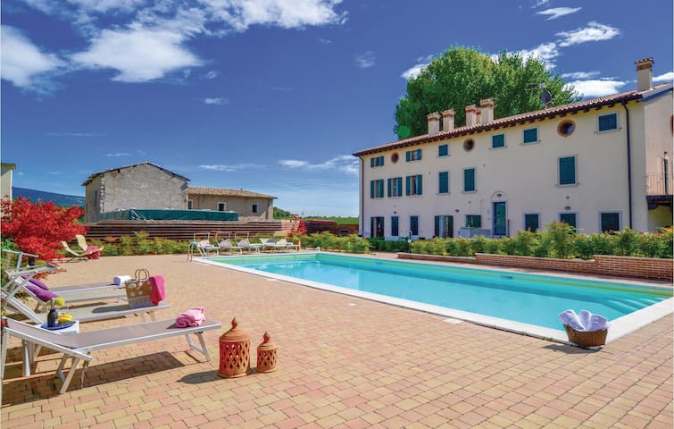 Holiday apartment with 2 bedrooms on 82 m² in Cavaion Veronese -VR-