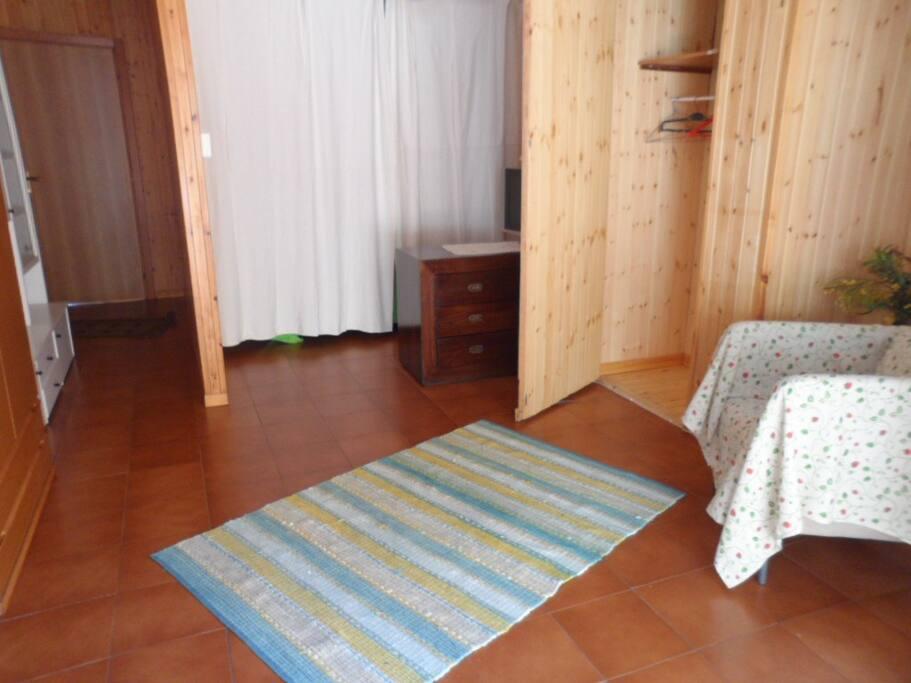 camera con letto