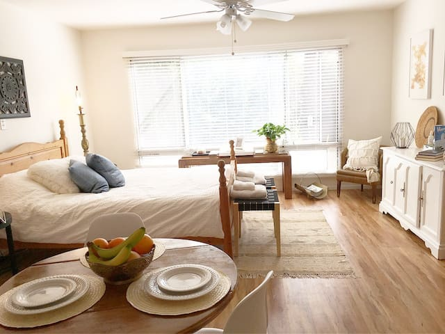Quiet Private Studio| Amazing Location! - San Diego - Apartment