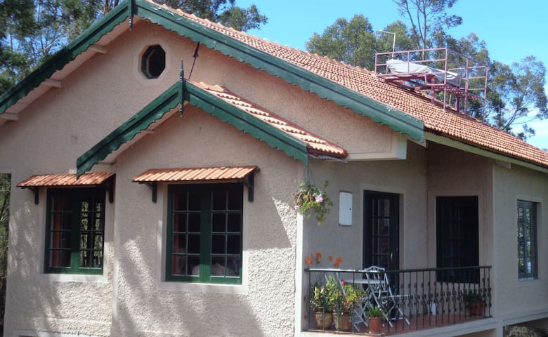 Bilberry Cottage at Stumpfields -  Ooty - Lägenhet