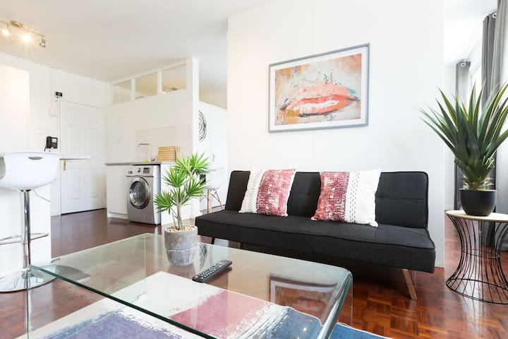 Fresh and Spacious Apartment With Amazing Views