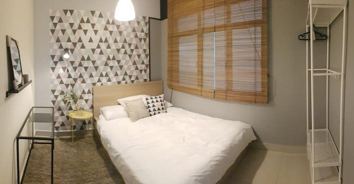 [Near IKEA] JB Chic Apartment Bedroom Queen Bed
