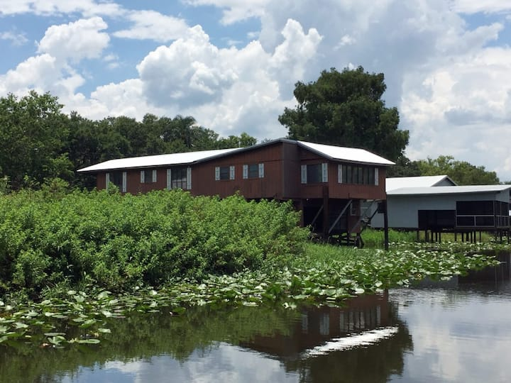 """""""Cutty Shack"""" Waterfront Kissimmee River House 3/3"""