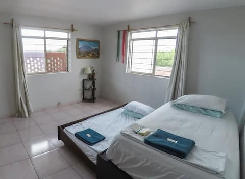 Cozy Santa Lucia, 2 person private bedroom